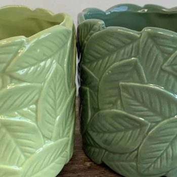 Leafy Planters in Light or Dark Green for pots up to 9cm Planters 9cm planter