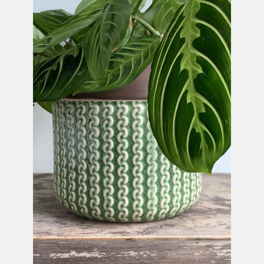 Knitted design ceramic planter for up to 12cm pots
