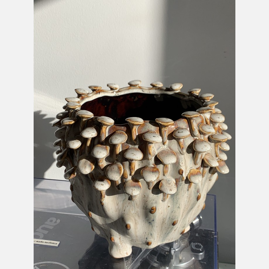 Brown 'toadstool' Planter for up to 15cm pots Plant Accessories 6